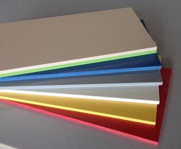 Kompaktplatten mit farbigem Kern