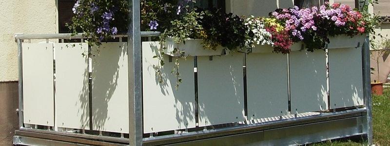 witterungsbeständige Balkonverkleidungen aus Kompaktplatten