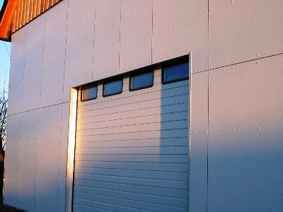 HPL-Fassadenverkleidung auf Holzständerwerk