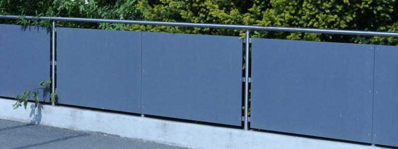 dekorative Zaunfeldfüllung aus Kompaktplatten