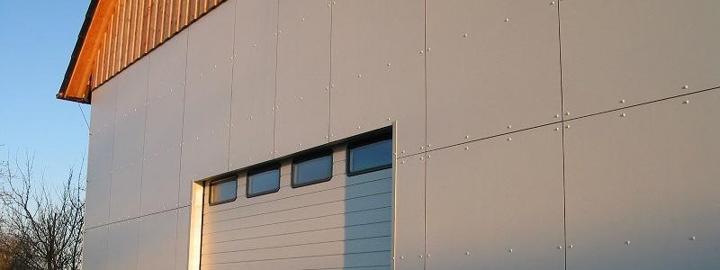 Kompaktplatten als Verkleidungsplatten für Fassaden auf Holzständerwerk