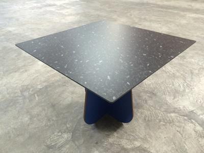 dekorative Tischplatte Kanten ballig gefräst 7mm schwarzer Kern Dekor F450