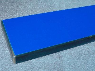 HPL Kompaktplatte (Dickplatte) mit überfräster Kante und schwarzem Kern